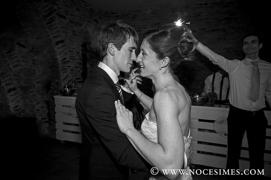 Fotografo bodas Cadaqués baile nupcial blanco y negro