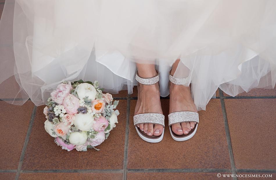 detalle zapatos novia boda en el mas oliveres