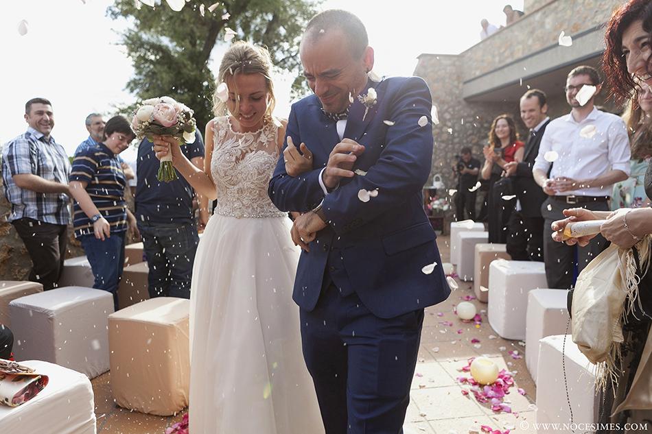 petalos boda en el mas oliveres