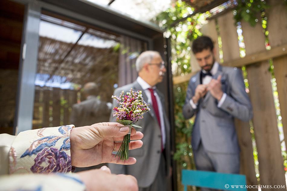 Flor novio fotografo boda costa brava