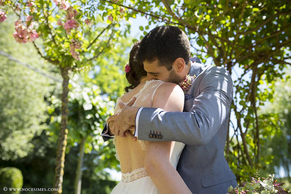 pareja abrazados fotografo girona