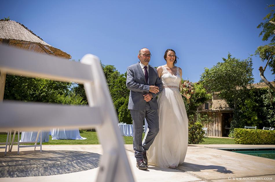 entrada novia fotografo boda girona