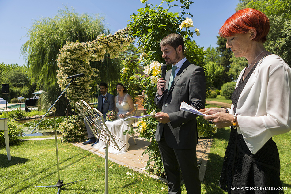 ceremonia en el Mas carreras boda girona