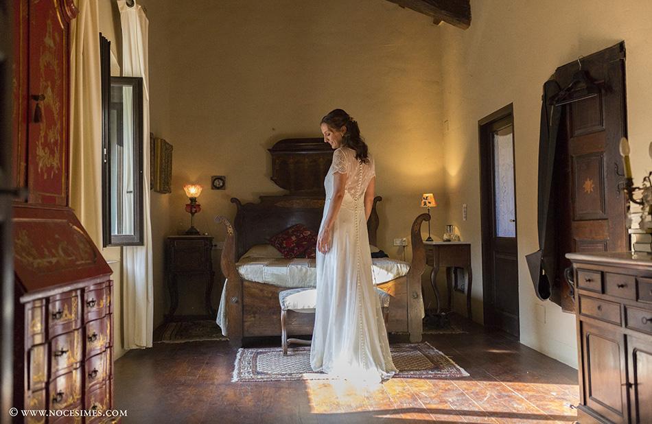 sessio de fotos del vestit de la nuvia amb fotograf casaments de girona