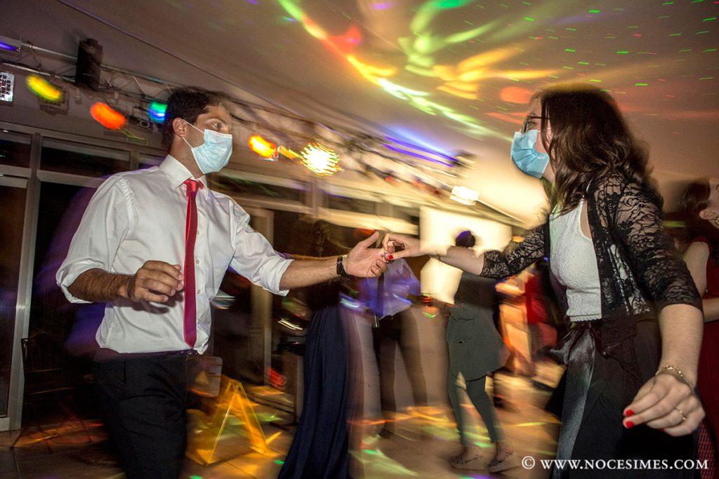 parella ballant casament